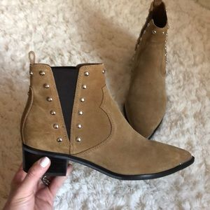 Marc Fisher western booties